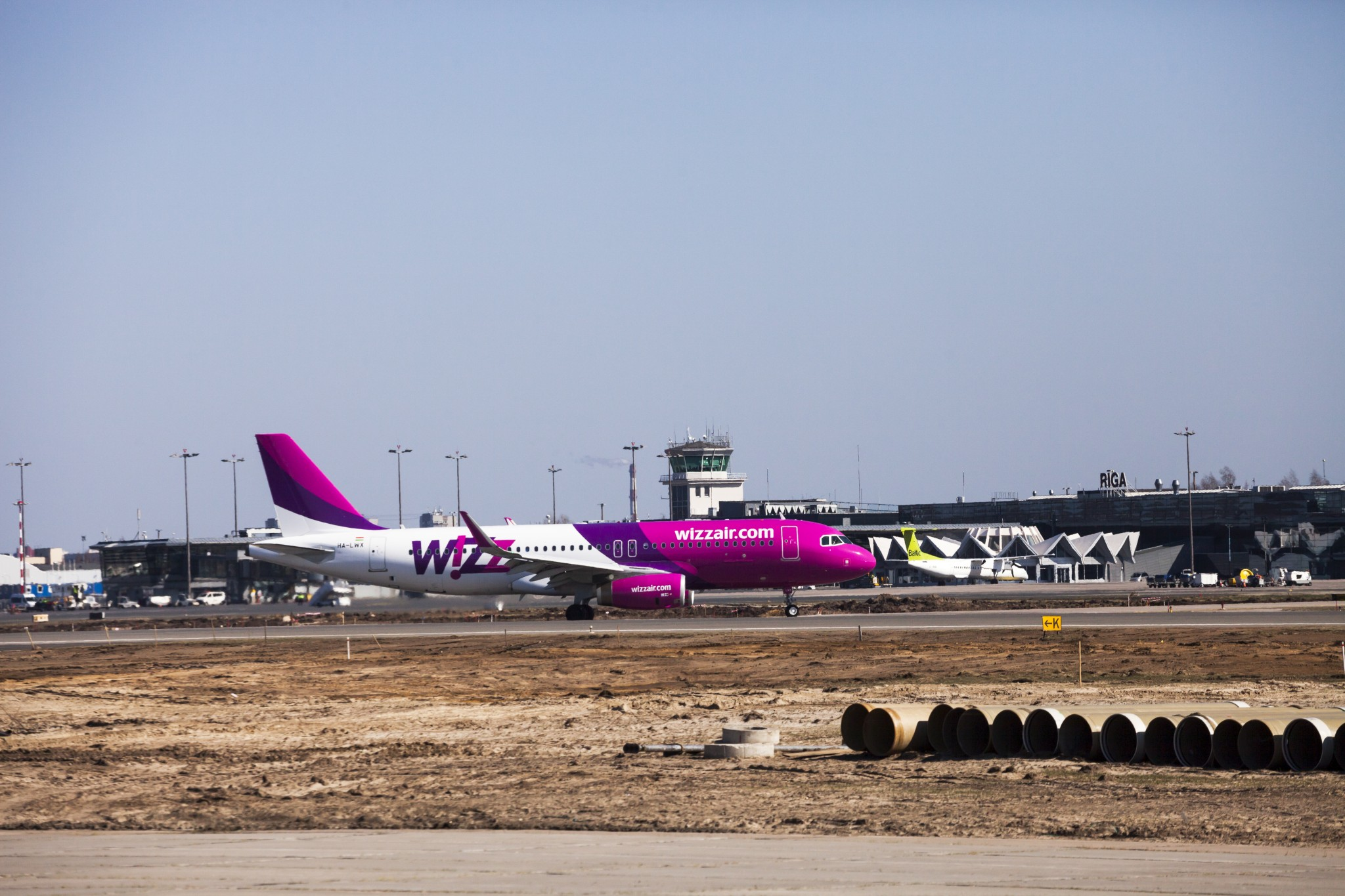 wizz a320 on ground