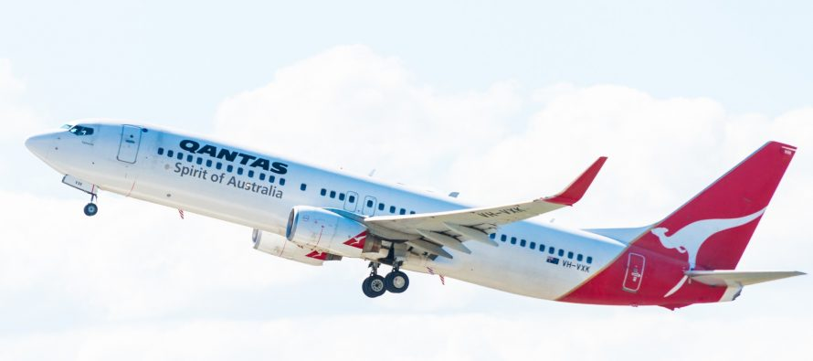 Qantas raise $425 million via 10-year bond issuance