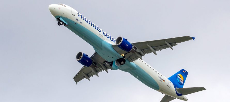 Thomas Cook plane makes emergency with broken wing