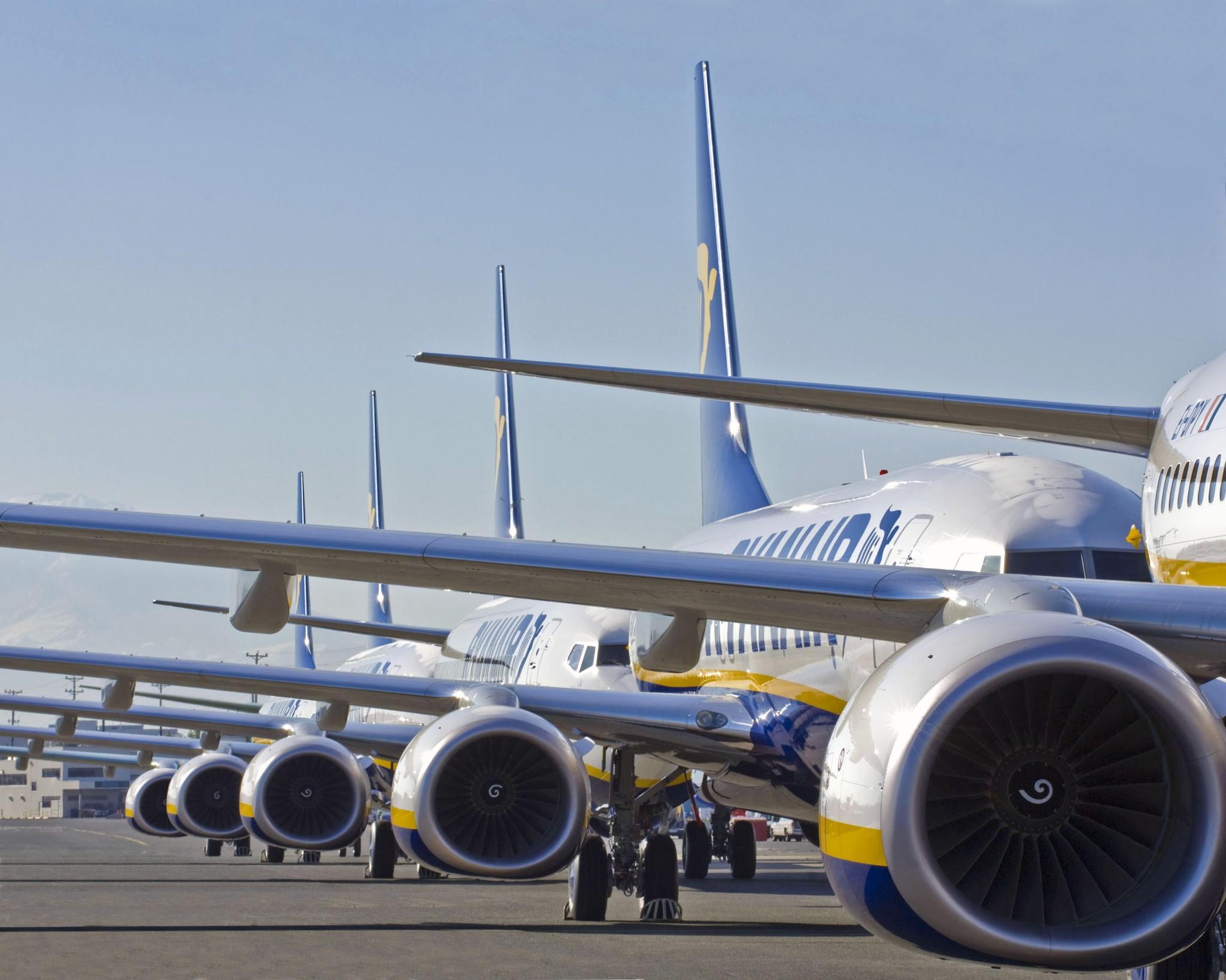 Ryanair 737-800s at Boeing Field
