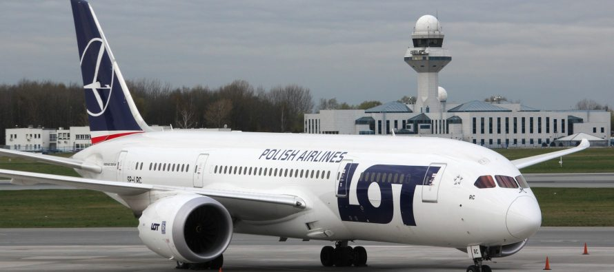 LOT takes three new 787-9s