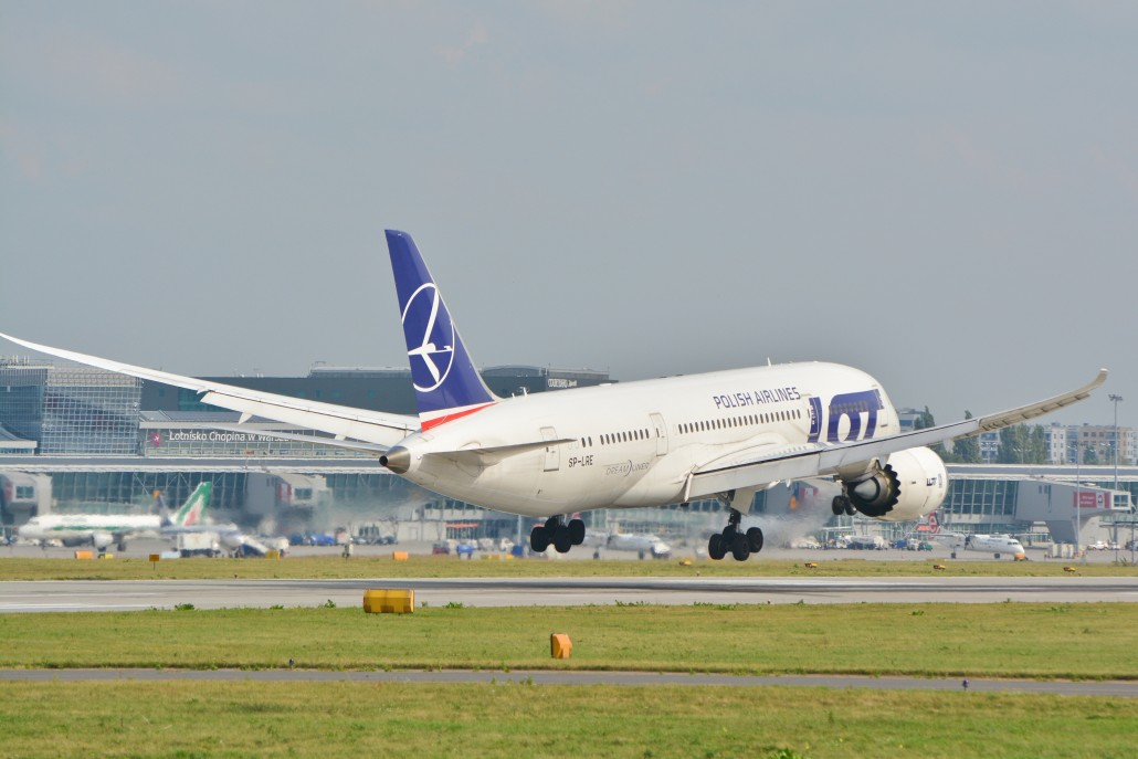 lot-polish-airlines-787
