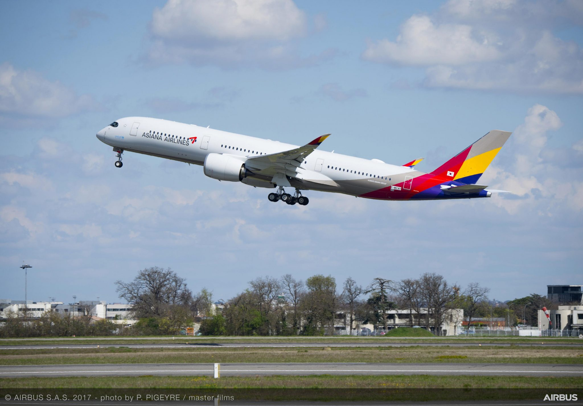 Asiana Airlines A350s take off with Panasonic Avionics