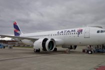 LATAM closes JOLCO on eight A320s