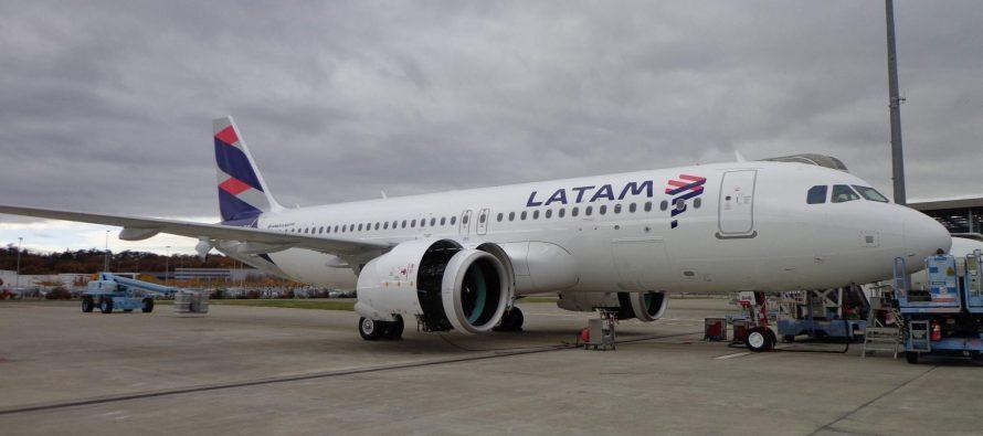 LATAM closes JOLCO on eight A320s