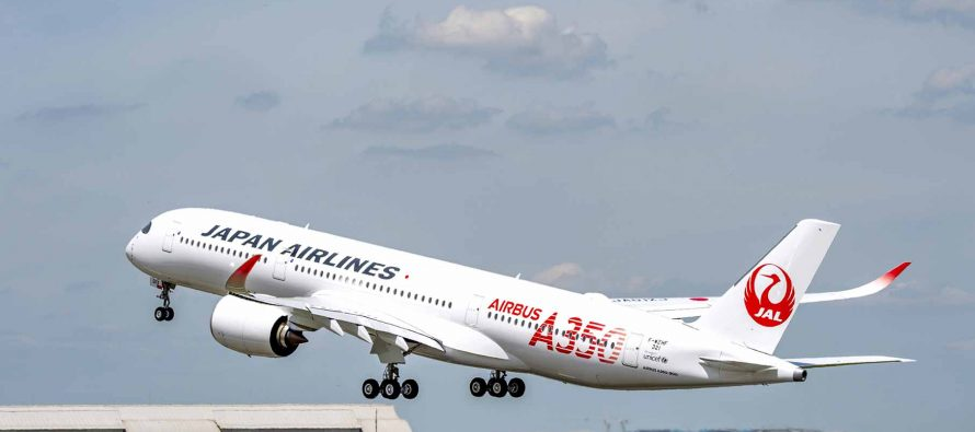 JAL takes delivery of first A350 XWB